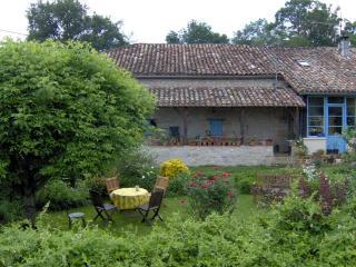 CASTELSAGRAT  : TONDES Chambes d'hotes a la ferme - Castelsagrat vacation rentals