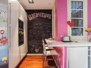Family friendly flat close to Plaza de España - Barcelona vacation rentals