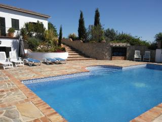 Spacious Villa with Internet Access and Hot Tub - Los Romanes vacation rentals