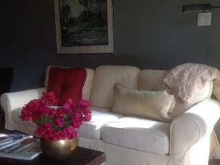 Elegant Courtyard Cottage - Glendale vacation rentals