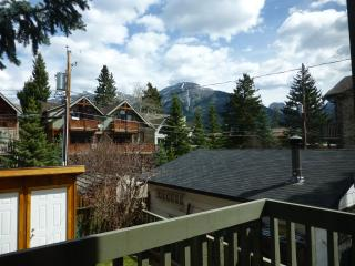 Canmore Condo in the Heart! 2 BR+Loft.  Sleeps 6! - Alberta vacation rentals