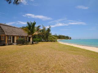 Villa Soleil Levant beachfront - Trou d'eau Douce vacation rentals