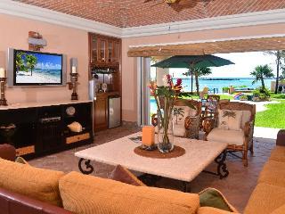 Beachfront Casa Palmilla -Quinta del Sol 120 - Puerto Aventuras vacation rentals