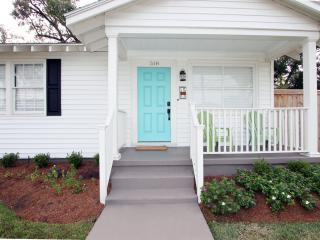 RISE AND SHINE - Relaxing cottage with deck! - Metairie vacation rentals