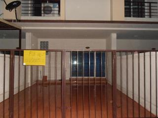 Townhouse 3 bedroom 2 bathroom full furniture  3 air 2 water heater, - Chonburi Province vacation rentals