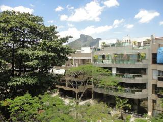 Penthouse in Rio de Janeiro - Jardim Oceânico - Rio de Janeiro vacation rentals