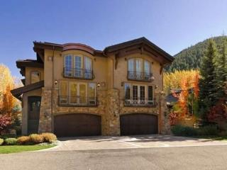 Georginia 311B- French Chateau at the Base of Baldy Mountain with Central Air Conditioning - Ketchum vacation rentals