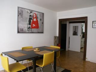 Vibrant Paris Apartment Rental with 2 Bedrooms - Paris vacation rentals