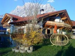 VILLA ORKA Holiday apartment in Ehrwald - Image 1 - Ehrwald - rentals