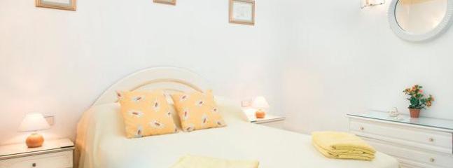 """Queen Bedroom - Villa """"El Soñadorino"""" - Sitio de Calahonda - rentals"""