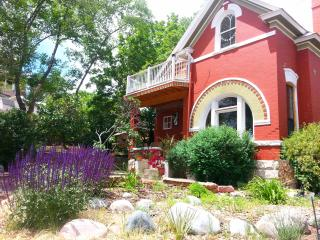 Charming Downtown Victorian Overlooking CoSprings - Colorado Springs vacation rentals
