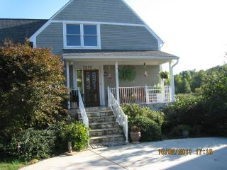 Nice House with Deck and Internet Access - Asheboro vacation rentals
