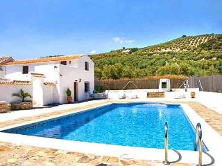 La Finca - Sleeps up to 5 - Near Iznajar lakes - Fuentes de Cesna vacation rentals