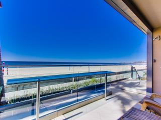 ***Amazing OCEAN FRONT Getaway*** - Pacific Beach vacation rentals