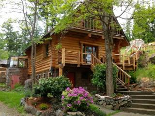 Handsome Dan's at Otter Point (Pet Friendly) - Sooke vacation rentals
