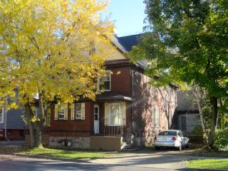 Great Gorge Guesthouse - 10 Minute Walk to Falls - Niagara Falls vacation rentals