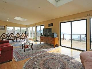 Outstanding 2BR/2BA Flat in Tiburon - San Francisco vacation rentals