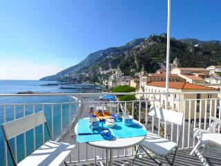 Dolce Vita B in the heart of Amalfi near beach - Amalfi vacation rentals