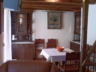 Cozy 2 bedroom Apartment in Eptalofos with Outdoor Dining Area - Eptalofos vacation rentals
