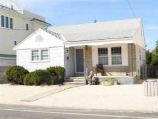 FRONT VIEW - Snowden 92814 - Long Beach Township - rentals