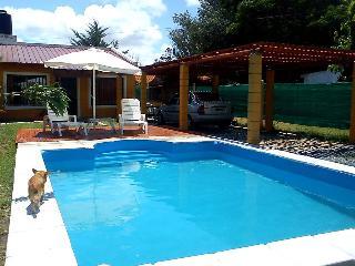 Alquilo hermosa casa con piscina privada en las sierras de Cordoba! - Villa Giardino vacation rentals