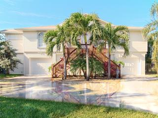 Fort Myers Beach / Walk-to-Beach Canal Home - Fort Myers Beach vacation rentals