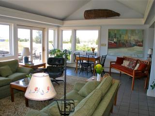 Waterviews On Tisbury Great Pond! (Waterviews-On-Tisbury-Great-Pond!-WT139) - West Tisbury vacation rentals