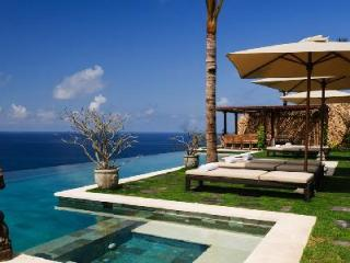 Villa Ambar is a haven of privacy, boasting ocean views & infinity pools - Uluwatu vacation rentals
