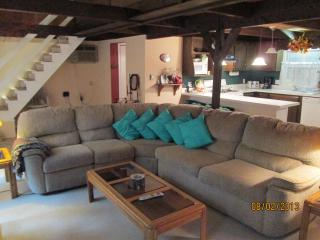 Post and Beam Chalet with Lake View in Gated Comm. - Matamoras vacation rentals