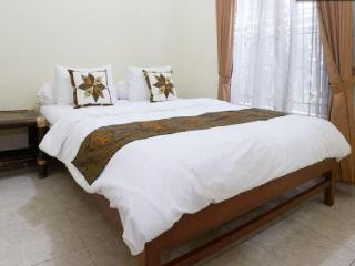 Group Friendly house near Malioboro, Yogyakarta - Yogyakarta vacation rentals