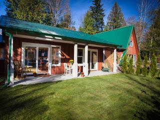 Beautiful 1 bedroom Bed and Breakfast in Courtenay with Internet Access - Courtenay vacation rentals