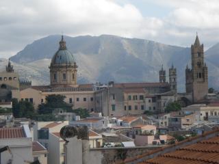 """Homeholidays Palermo """"Casa di Bianca"""" - Palermo vacation rentals"""