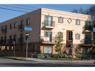 Lovely 2BR/2BA Towhhome(#6) - A Hop to Hollywood! - Los Angeles vacation rentals
