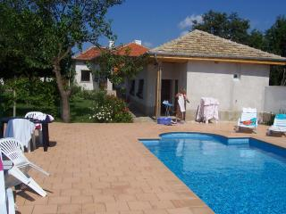 Traditional villa with pool in wine-growing area - Veliki Preslav vacation rentals