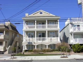 4 bedroom Condo with Deck in Ocean City - Ocean City vacation rentals