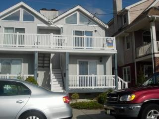 Bright 4 bedroom Apartment in Ocean City - Ocean City vacation rentals