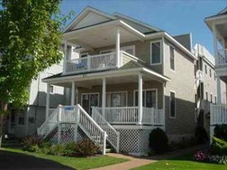 Bright 4 bedroom Ocean City Condo with Deck - Ocean City vacation rentals