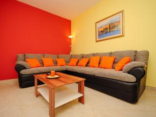 Apartment Marinko - 43901-A1 - Vinisce vacation rentals