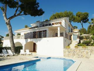 Villa with pool, near beach, golf, 10 pax, WLAN - Puerto de Alcudia vacation rentals