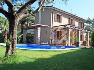 Bertie ~ RA33910 - Forte Dei Marmi vacation rentals