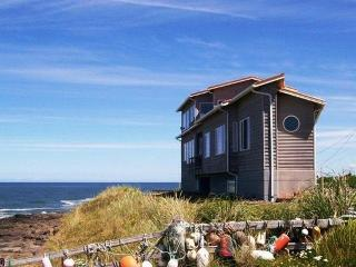 Nice House with Deck and Internet Access - Yachats vacation rentals