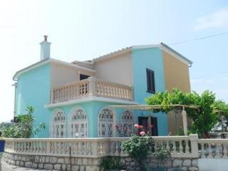 GALJANIC ROBERT ~ RA31032 - Draga Bascanska vacation rentals