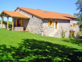 Maison Belledent ~ RA26169 - Saint-Julien-Chapteuil vacation rentals