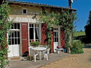 Le Marronnier ~ RA25242 - Chalais (Vienne) vacation rentals