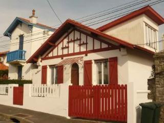 104 Rue Pierre De Chevigné ~ RA25881 - Biarritz vacation rentals