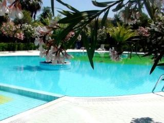 Residence Oasi Anfiteatro ~ RA36403 - Luddui vacation rentals