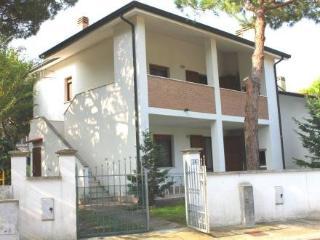 IL PINO 1 ~ RA33545 - Lido di Volano vacation rentals