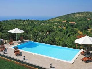 Albina ~ RA30859 - Ravni vacation rentals