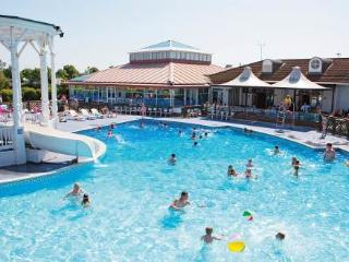 Caravan The Orchards ~ RA29870 - Walton-on-the-Naze vacation rentals