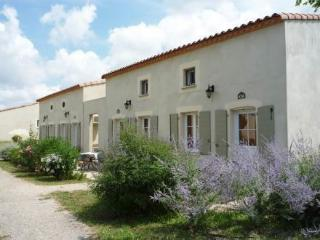 Les Jasses de Camargue ~ RA27160 - Languedoc-Roussillon vacation rentals